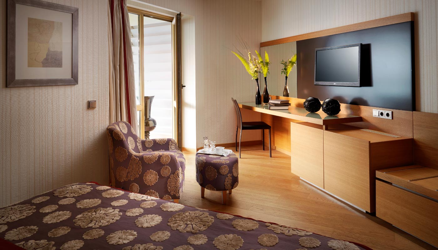 Divani Apollon Suites - Superior Room - Sitting Area